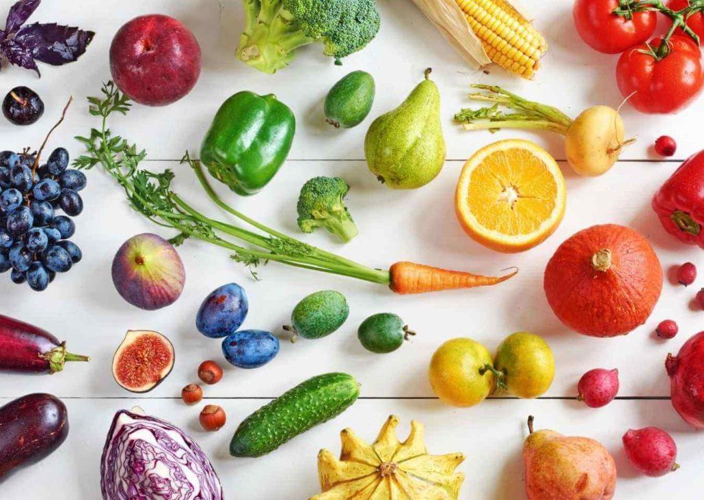 kolorowe owoce i warzywa